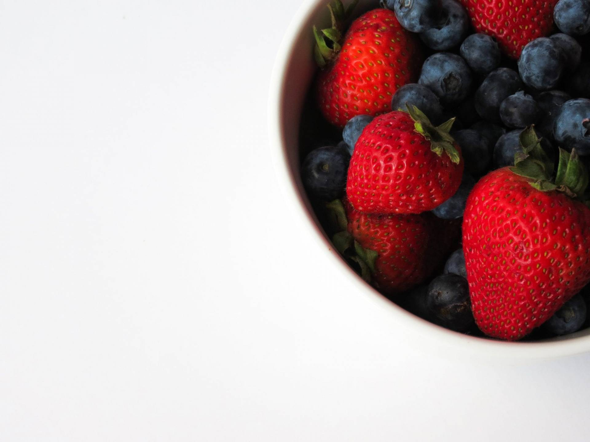 Berries make delicious office snacks