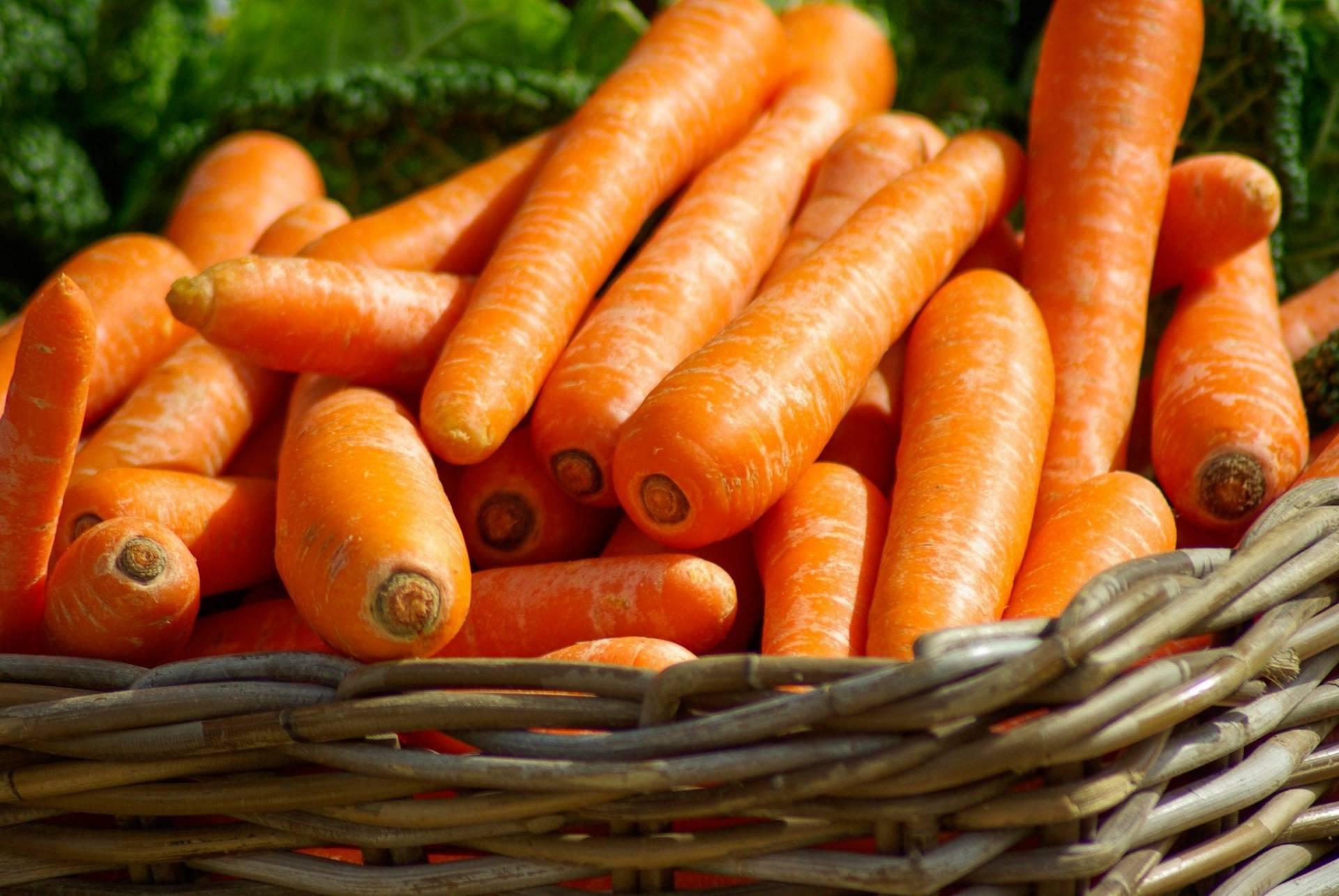 Carrots make healthy office snacks
