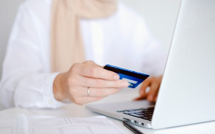 How an Online Calendar Can Help You Manage Your Credit Card Rewards and Usage