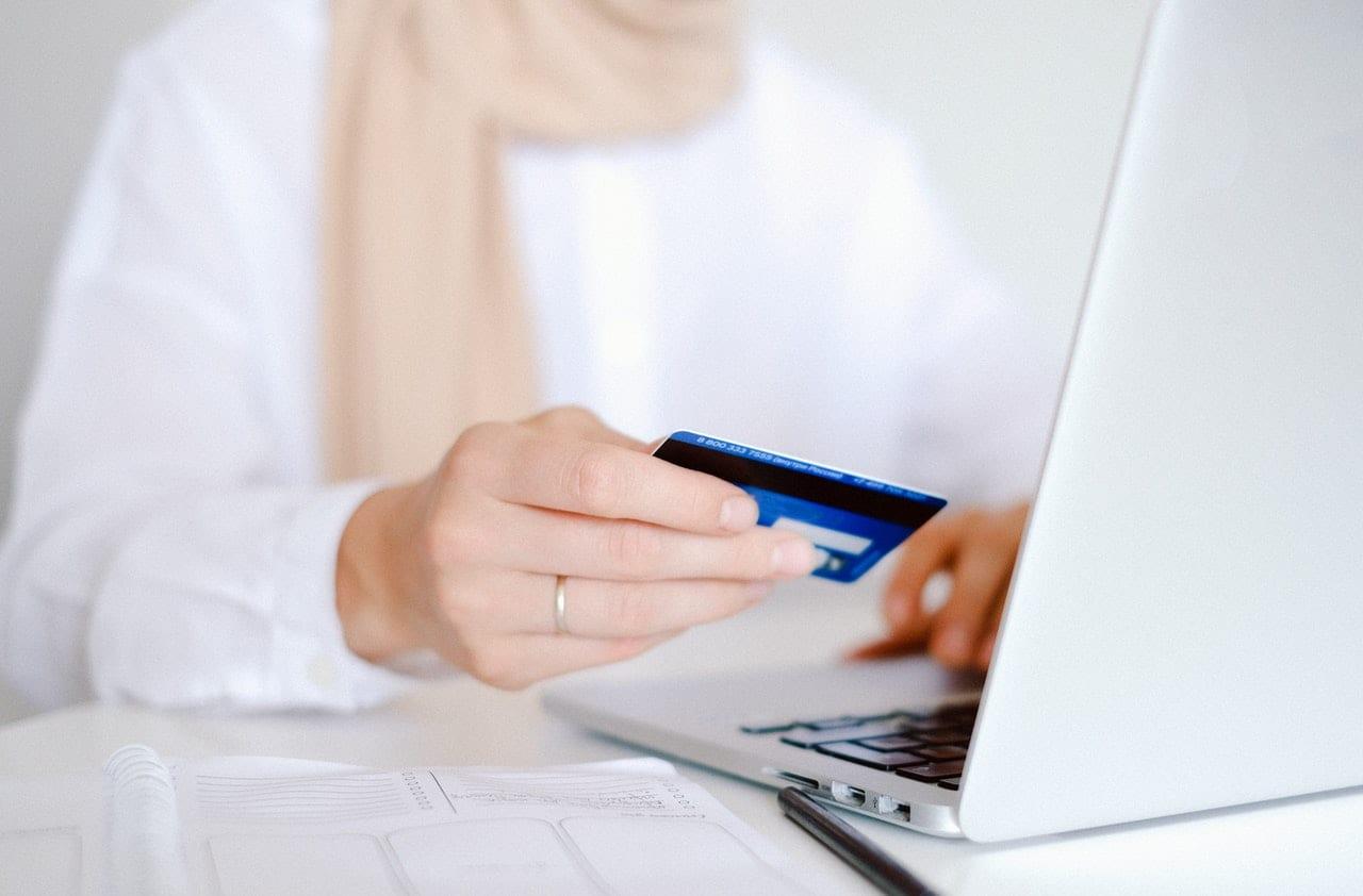 manage credit card usage
